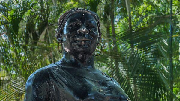 Negra Hipólita o Hipólita Bolívar, estatua en el parque que lleva su mismo nombre en la ciudad de Valencia - Sputnik Mundo