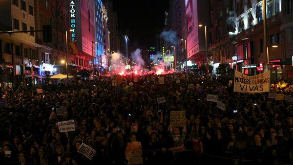 Manifestación contra el machismo en Madrid - Sputnik Mundo
