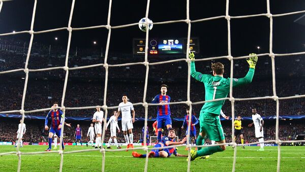Barcelona's Sergi Roberto scores their sixth goal - Sputnik Mundo