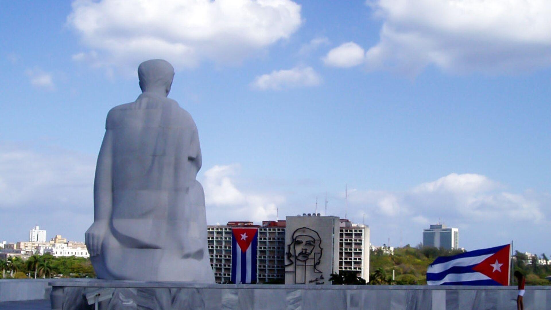 Monumento al escritor José Martí en la plaza de la Revolución en La Habana, Cuba - Sputnik Mundo, 1920, 11.05.2021