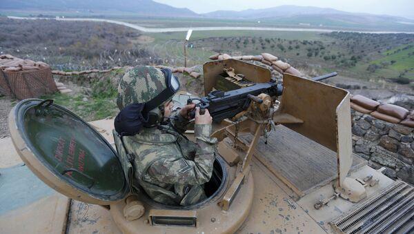 Militar turco en la frontera con Siria (archivo) - Sputnik Mundo