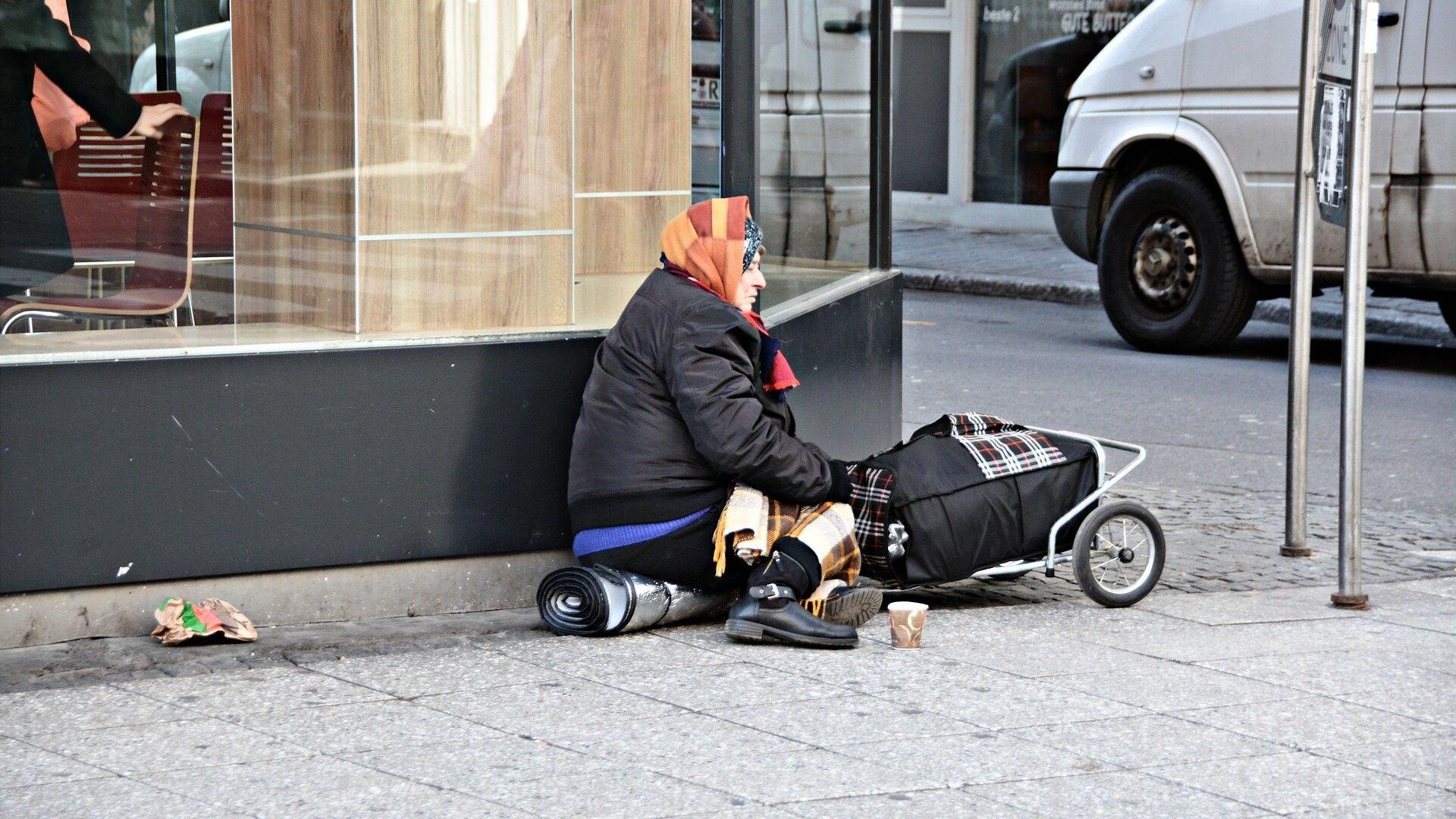 Una persona pobre - Sputnik Mundo, 1920, 05.05.2021