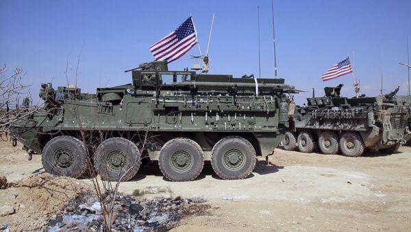 Vehículos blindados del Ejército de EEUU en Siria - Sputnik Mundo