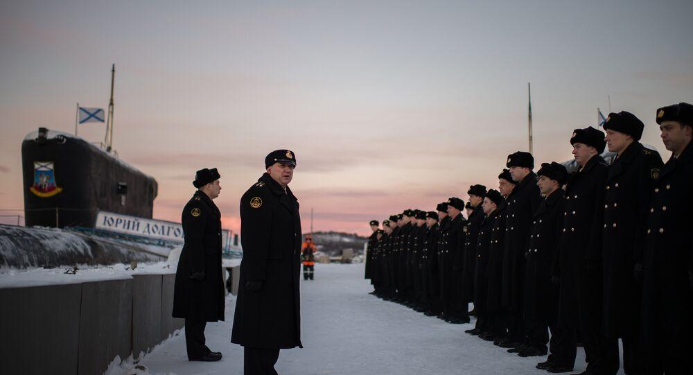 El comandante y la tripulación del submarino ruso Yuri Dolgoruki