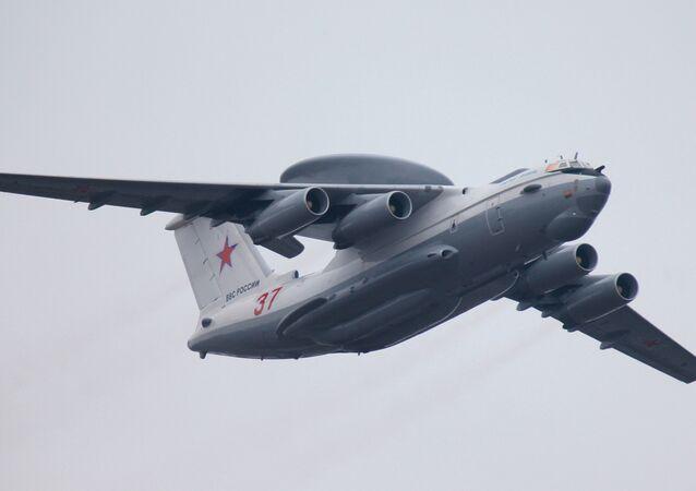 Avión A-50U