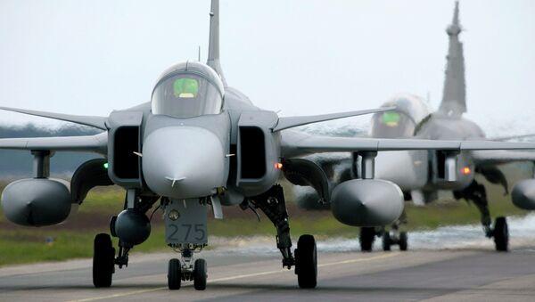 Saab JAS 39 Gripen de la OTAN (archivo) - Sputnik Mundo