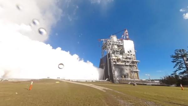 La NASA pone a prueba el motor del cohete más potente del mundo - Sputnik Mundo