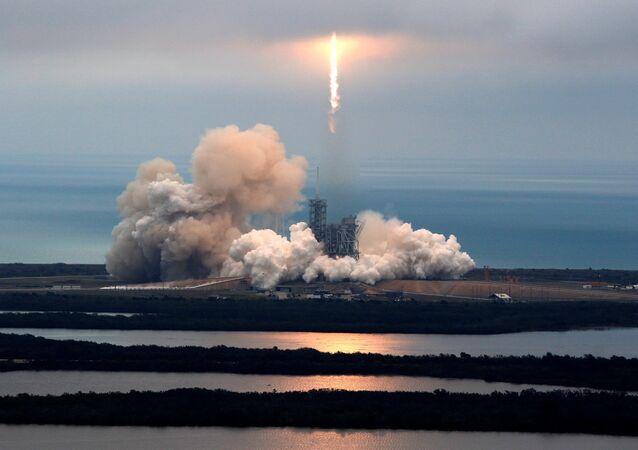 Lanzamiento del cohete (Archivo)