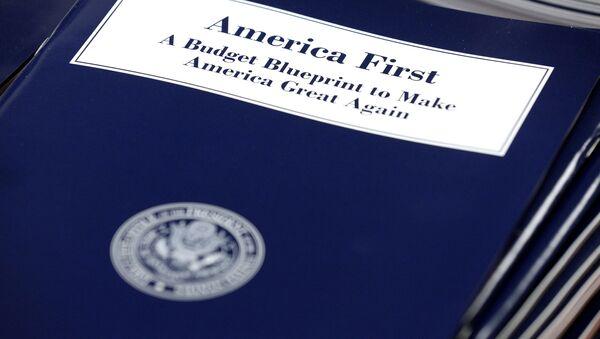 El presupuesto presentado por el Gobierno de EEUU - Sputnik Mundo