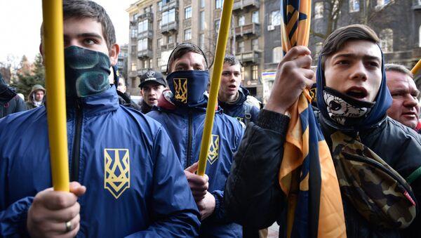 Los radicales ucranianos en Kiev - Sputnik Mundo