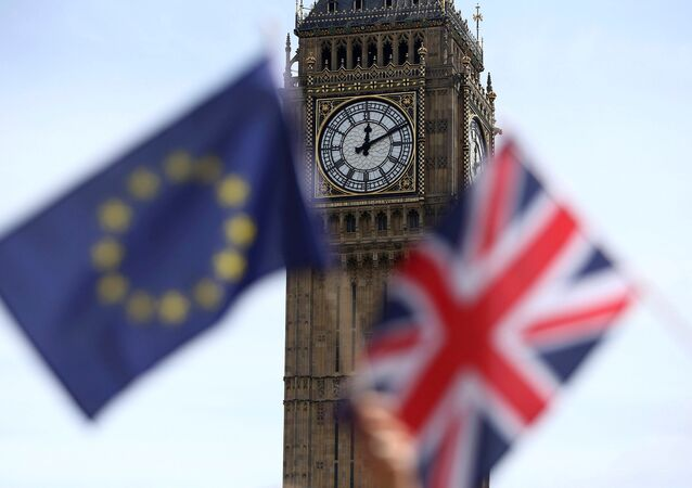 Banderas de la UE y del Reino Unido (imagen referencial)