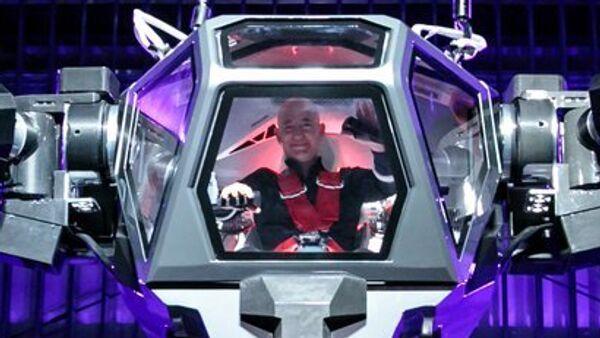Jeff Bezos pilotea un Method-2 - Sputnik Mundo
