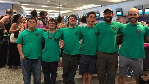 Cuatro jóvenes con síndrome de Down fundaron un servicio de catering en Argentina - Sputnik Mundo