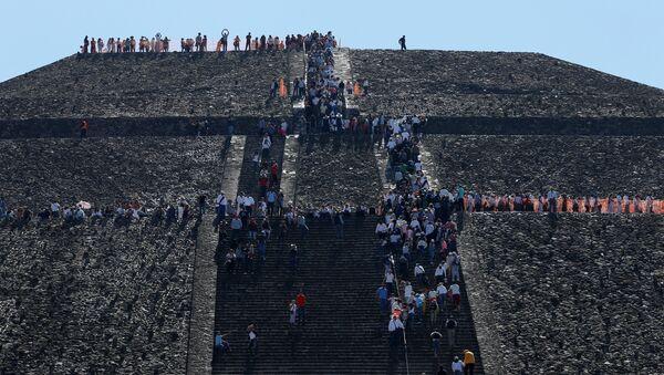 Pirámide de Teotihuacan, México - Sputnik Mundo