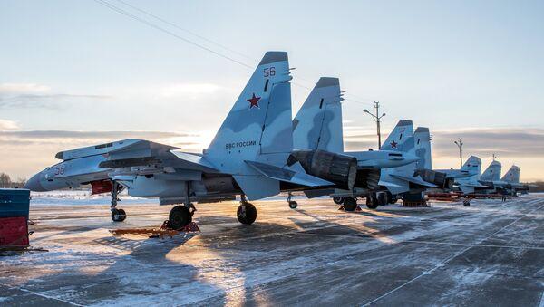 Cazas Su-35 rusos (archivo) - Sputnik Mundo