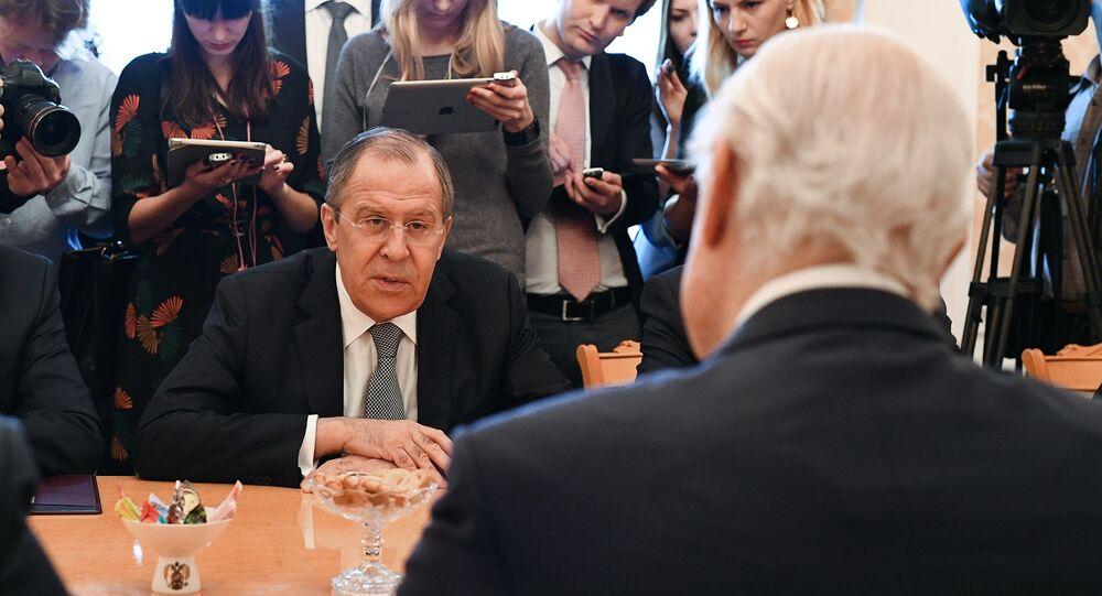 Ministro de Exteriores de Rusia, Serguéi Lavrov, y enviado especial de la ONU para Siria, Staffan de Mistura