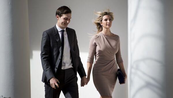 Ivanka Trump y su esposo Jared Kushner - Sputnik Mundo