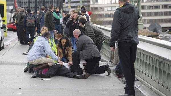 Gente herida después del atentado en el puente de Westminster en Londres (archivo) - Sputnik Mundo