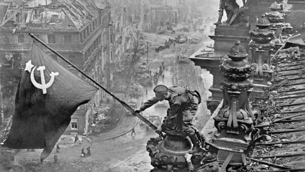 Знамя Победы над Берлином - Sputnik Mundo