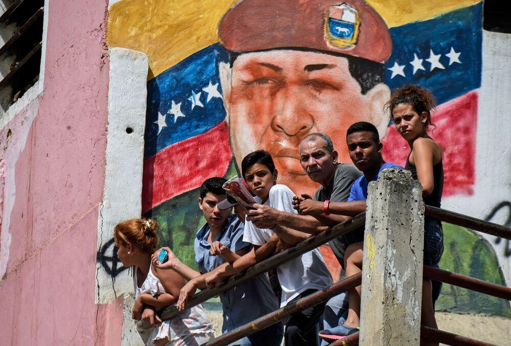 Grafiti con la imagen de Hugo Chávez en Caracas