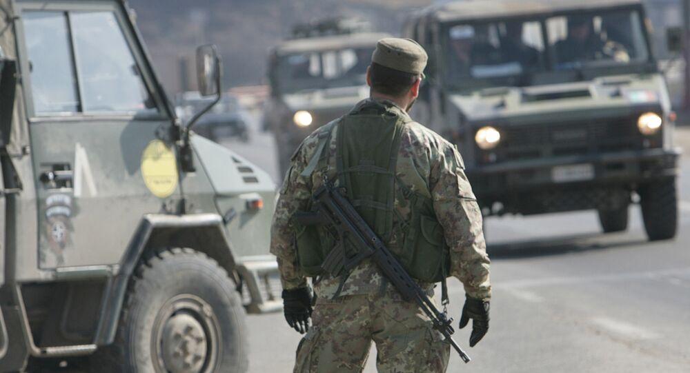 Soldado en Kosovo (archivo)