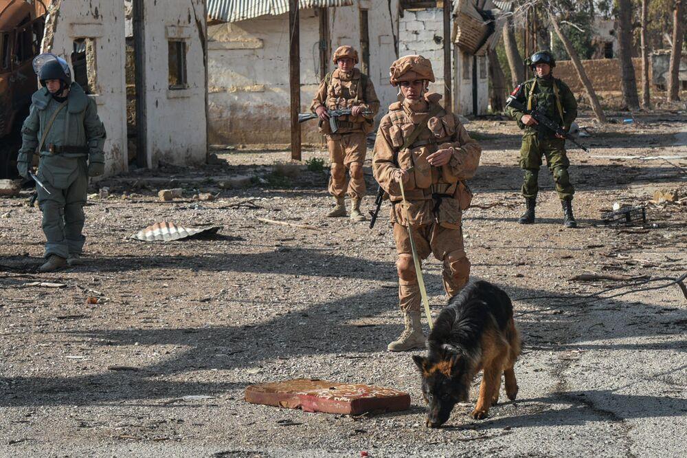 Zapadores rusos desminan la ciudad liberada de Palmira