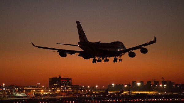 Un Boeing aterriza en Moscú - Sputnik Mundo