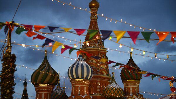 La catedral de San Basilio, en la Plaza Roja de Moscú - Sputnik Mundo
