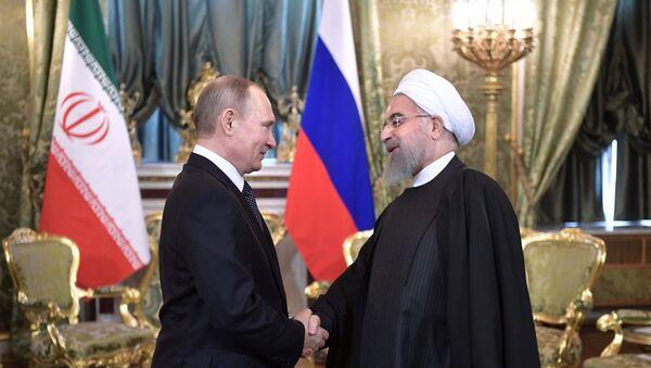 Президент РФ В. Путин встретился с президентом Ирана Х. Рухани - Sputnik Mundo