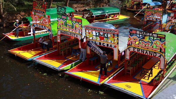 Las trajineras, típicas embarciones mexicanas - Sputnik Mundo