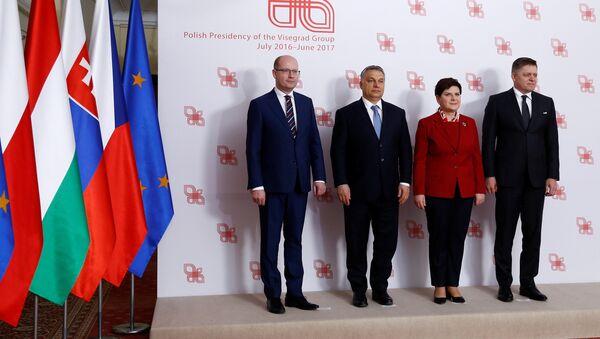 Los primer ministros del V4 - Sputnik Mundo