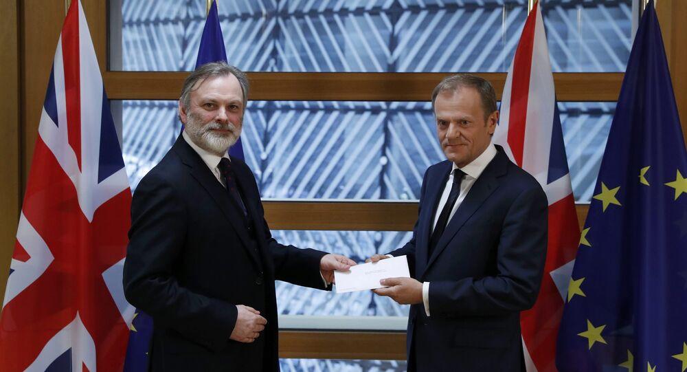 Embajador británico ante la UE entrega a Tusk la notificación sobre el inicio del Brexit