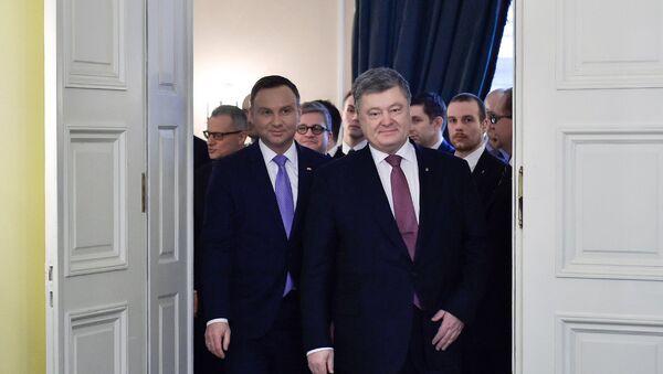 El presidente de Polonia, Andrzej Duda, y el presidente de Ucrania, Petró Poroshenko - Sputnik Mundo