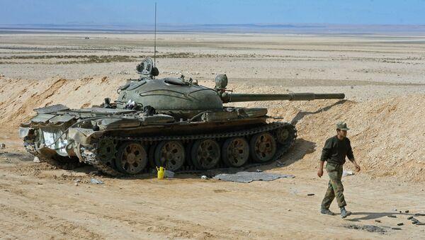 Tanque ruso T-62 en Siria (archivo) - Sputnik Mundo
