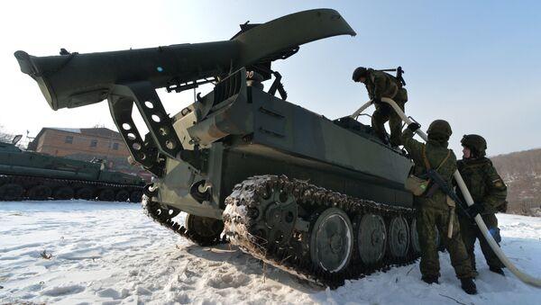El aparato de desminado soviético UR-77 Meteorit, también utilizado en Siria - Sputnik Mundo