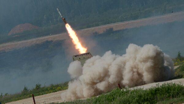 Sistema de lanzacohetes ruso TOS-1 Solntsepiok - Sputnik Mundo