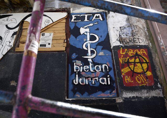 Grafiti con el logo de ETA