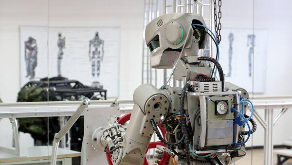 Robot androide FEDOR - Sputnik Mundo