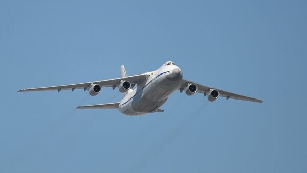 Avión de transporte ruso An-124 - Sputnik Mundo