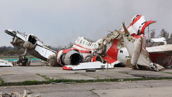 Escombros del avión del presidente de Polonia Lech Kaczynski (archivo) - Sputnik Mundo