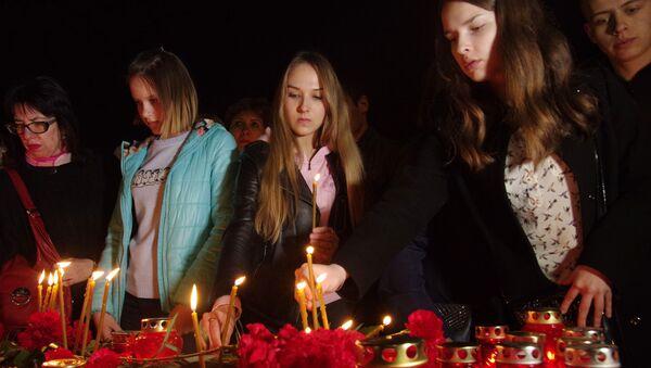 El mundo rinde homenaje a las víctimas del atentado de San Petersburgo - Sputnik Mundo