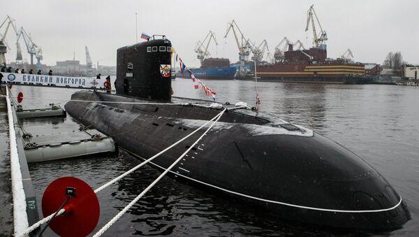 Un submarino de la clase Varshavianka - Sputnik Mundo