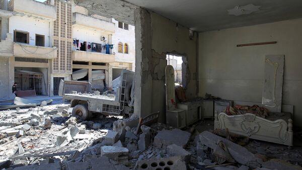 Consecuencias de los bombardeos en Idlib - Sputnik Mundo
