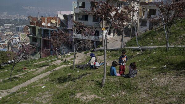 Refugiados sirios en Esmirna - Sputnik Mundo