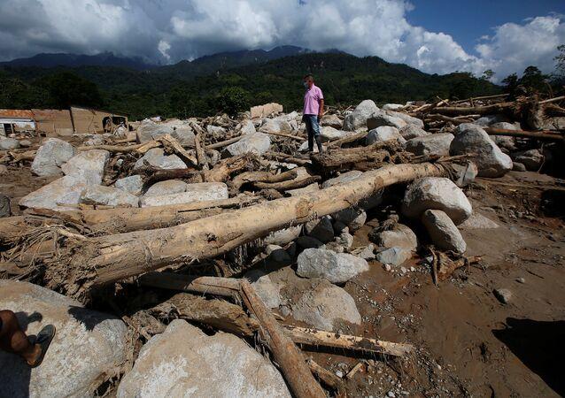 Una avalancha de lodo y piedras en el municipio de Mocoa, Putumayo, Colombia