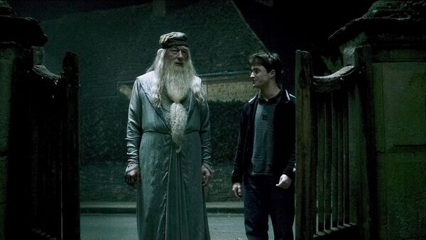 Harry Potter y Albus Dumbledore - Sputnik Mundo