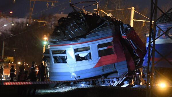 Choque de trenes en el oeste de Moscú - Sputnik Mundo