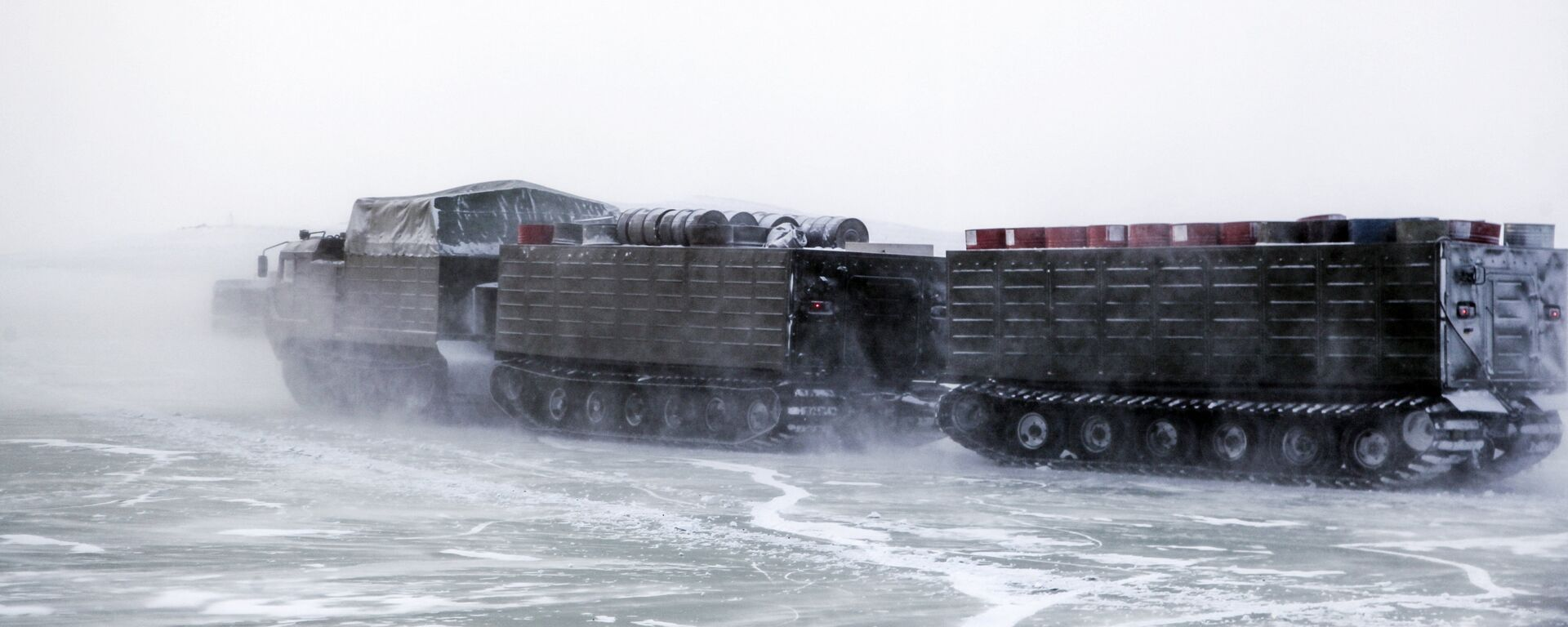 Las pruebas del nuevo armamento moderno y la maquinaria bélica rusos en el Ártico - Sputnik Mundo, 1920, 06.04.2021