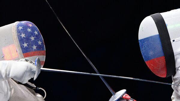 Las banderas de Estados Unidos y Rusia - Sputnik Mundo