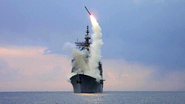 Lanzamiento del misil estadounidense Tomahawk (archivo) - Sputnik Mundo